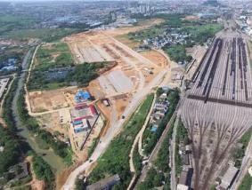 公司董事长带领规划专家组对《柳州市铁路物流园区》进行现场考察